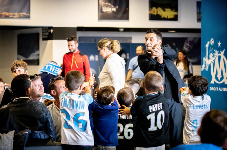 Meet & Greet with young fans of OM